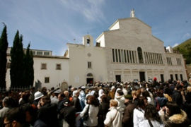 About 15,000 people came to see Padre Pio's body on the first day of viewing [AFP]