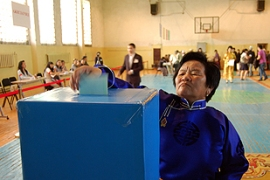 More than 1,800 polling stationsopened on Sunday [AFP]    More than 1,800 polling stationsopened on Sunday [AFP]