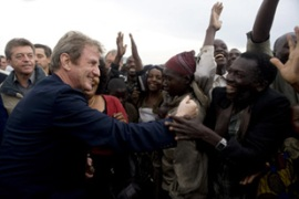 Kouchner toured Goma with his British counterpart before holding talks in Rwanda [AFP]