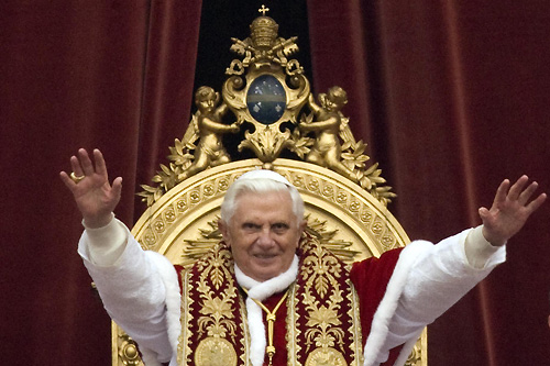 Pope Benedict XVI called for peace in the Middle East during his Christmas blessing. [Reuters]