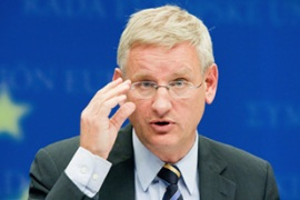 Bildt, who is due to visit Israel, has said he is not going to apologise for the controversial article [EPA]Bildt, who is due to visit Israel, has said he is not going to apologise for the controversial article [EPA]