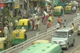 Video: India roads 'most dangerous'