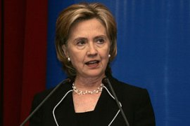 Clinton said Iran's full acceptance of the UN deal would indicate its willingness to co-operate [Reuters]