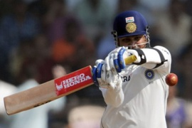 Stellar Sehwag steers India reply