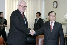 Bosworth, left, said the US would work closely with South Korea to get talks on track [AFP]