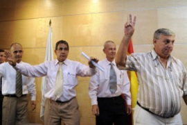 Cuba dissidents 'to fight' in exile