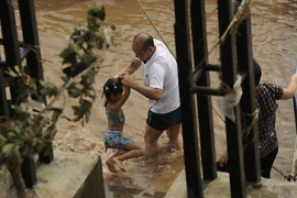 China fears floods as typhoon hits