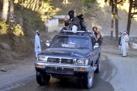Pakistani Taliban deny talks with government