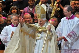 Six held over 'pope threat' freed