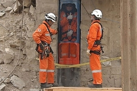 Trapped Chile miners set to escape