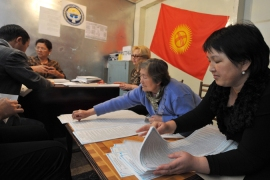 Kyrgyzstan set for crucial vote