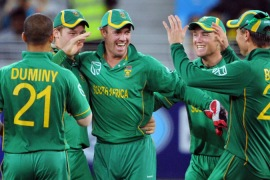 South Africa clinch narrow win