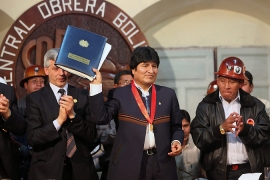 Bolivia lowers retirement age