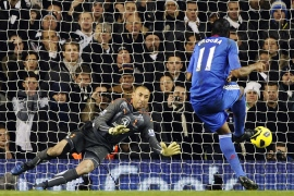 Gomes saves penalty to deny Chelsea