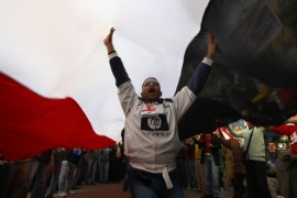 Workers continue Egypt strikes