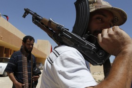 Gaddafi forces shell rebel positions