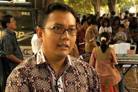 Indonesian mayor resists building of church