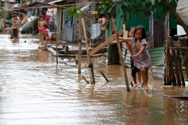 Hundreds die in Thailand and Cambodia floods