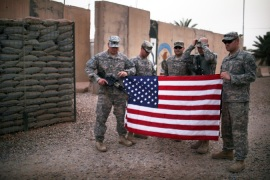 US hands over main base in Iraq