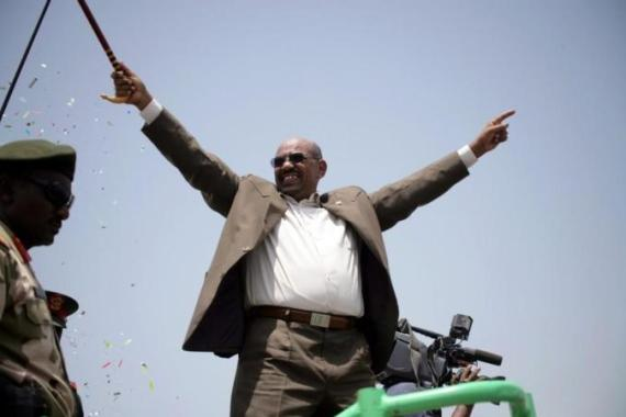 Sudan President Omar al-Bashir  faces a dilemma as the reformists are refusing to back down [AFP]