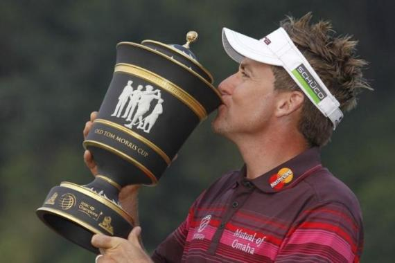 The win in China moves Poulter up to fourth spot in the European Tour's Race to Dubai [AP]
