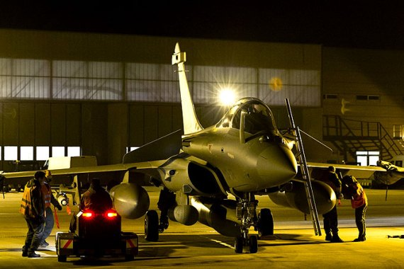 Four French Rafale fighter jets bombed targets on Sunday near the northern Malian city of Gao [AFP]