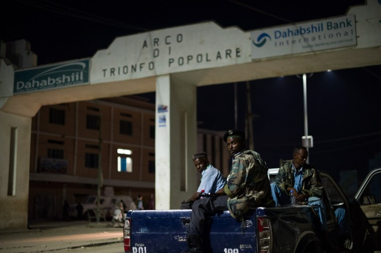 The task of maintaining security in the city has largely fallen to the Somali National Police (SNP), who receive support from AMISOM police.