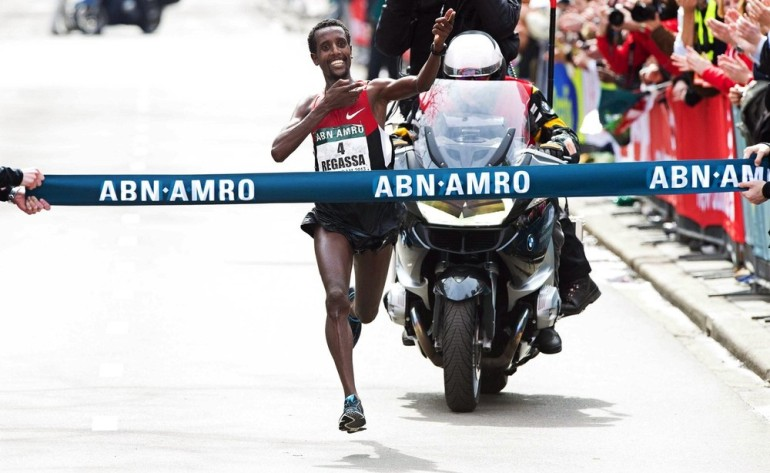 Tilahun Regassa led an Ethiopian 1-2 to win the