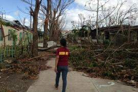 Philippine typhoon destroys homes and lives