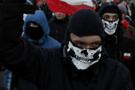 Polish police clash with far-right protesters