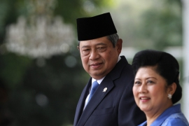 Indonesia freezes ties with Australia