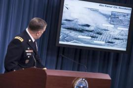 Before and after images of air strikes in Syria during a briefing at the Pentagon [AFP]