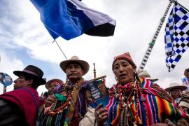 Many indigenous people from the Altiplano attended Morales(***) last rally in the city of El Alto.