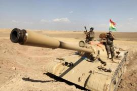 ISIL pounded as Iraqi and Kurd forces advance