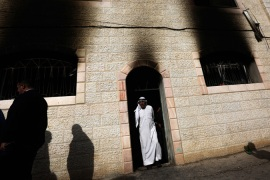 Israeli settlers burn mosque in West Bank