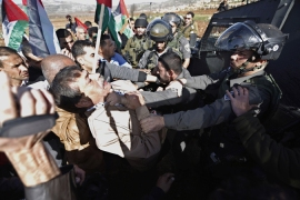 Palestinian minister dies at protest