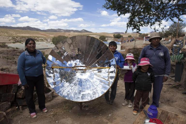 Studies by the EcoAndina Foundation show that one solar cooker reduces household firewood consumption by 50 to 70 percent.