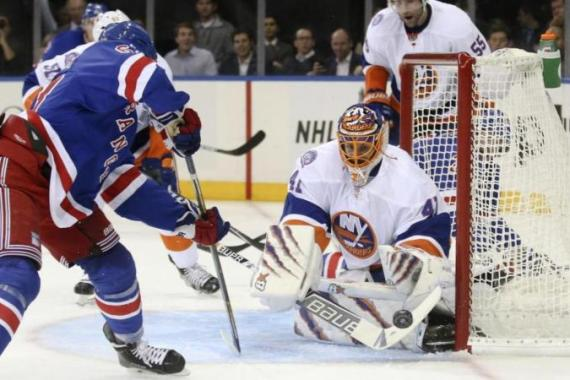 Halak (41) helped his side keep a clean sheet at Madison Square Garden. [AP]