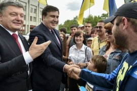 Citizens greet Poroshenko and Saakashvili in Odessa, Ukraine [AP]