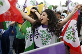 HDP supporters attend a rally ahead of the June 7 elections [AP]