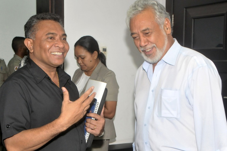 Former East Timorese leader Xanana Gusmao (R) with his successor Rui Araujo in Dili [AFP/Getty Images]