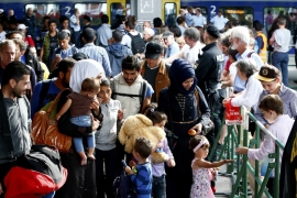 Germany imposes border controls over refugee surge