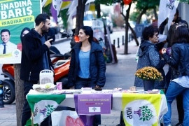 An HDP stand at a park in Istanbul distributed election-related materials [Huseyin Narin/Al Jazeera]