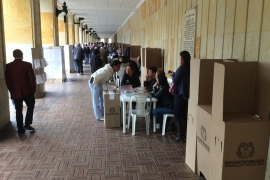 Thousands of people in Bogota got in line to cast their vote in a peaceful, almost festive atmosphere [Alessandro Rampietti/Al Jazeera]