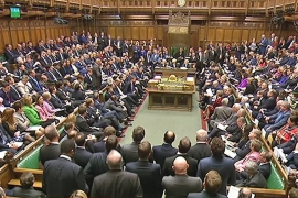 UK MPs approve air strikes against ISIL in Syria