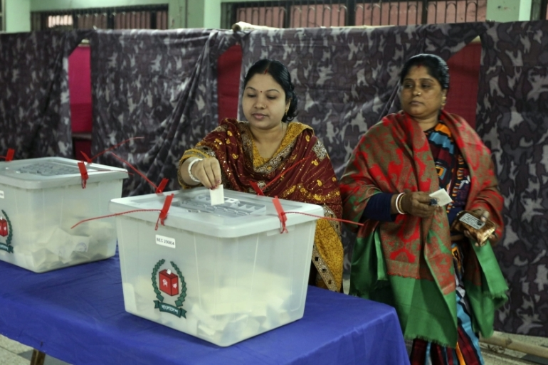 UK government report on January 2014 Bangladesh elections criticises Election Commission [EPA]