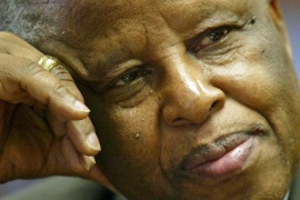 Festus Mogae said South Sudan's leaders failed to think of the welfare of their people [File: Reuters]