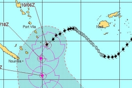 Cyclone Ula is expected to pass south of Vanuatu on Sunday and then track towards New Zealand [US Joint Typhoon Warning Center]