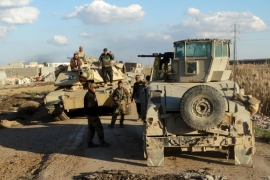 ISIL suicide car bombers hit Iraqi forces near Ramadi
