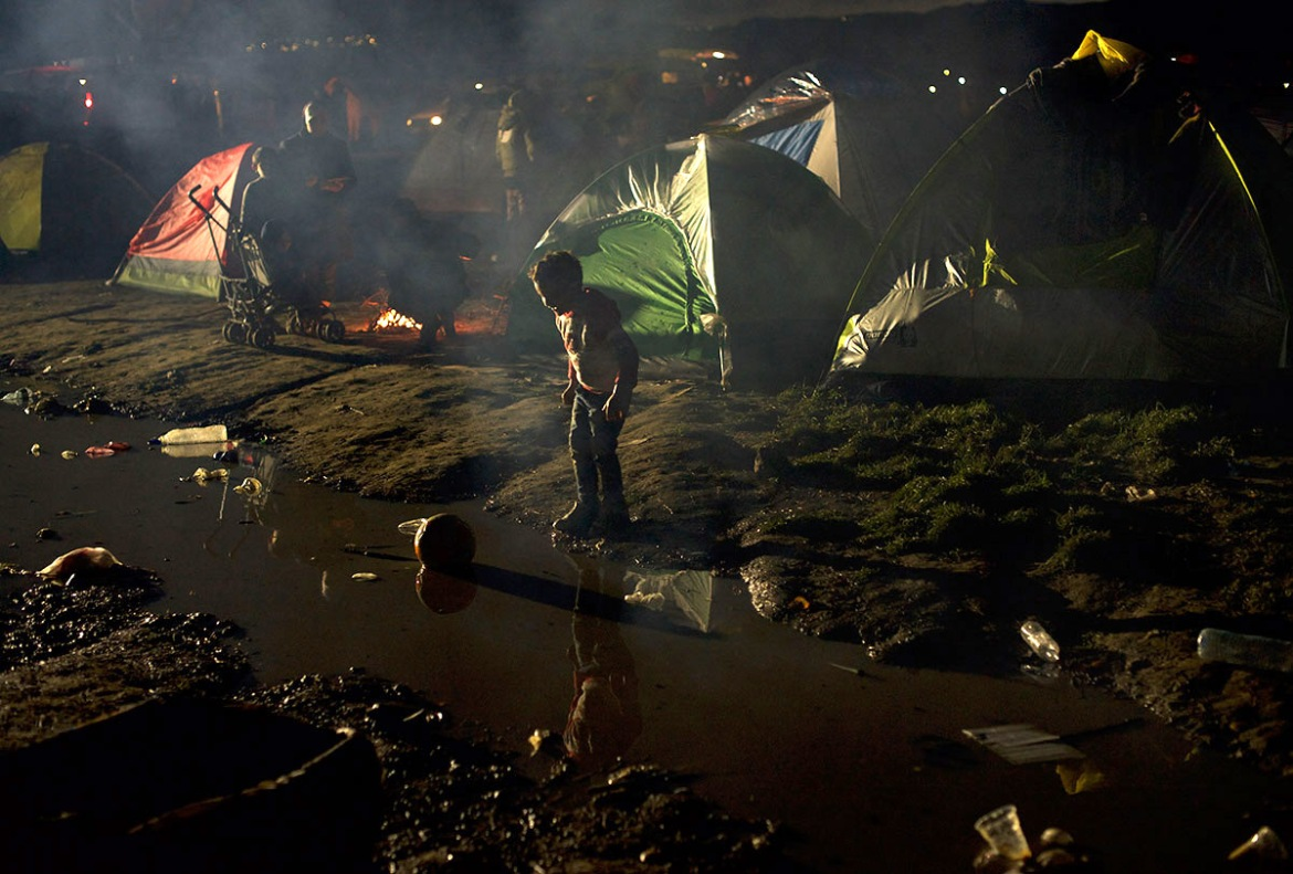 Idomeni is lacking proper sanitary facilities and many people at the camp have become sick as a result. [Paulo Nunes dos Santos/Al Jazeera]